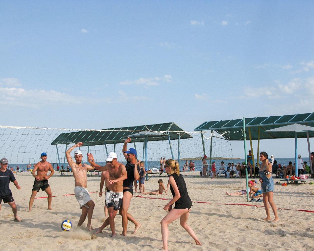 (Рус.) Турнир по волейболу: Вожатые vs Тренеры